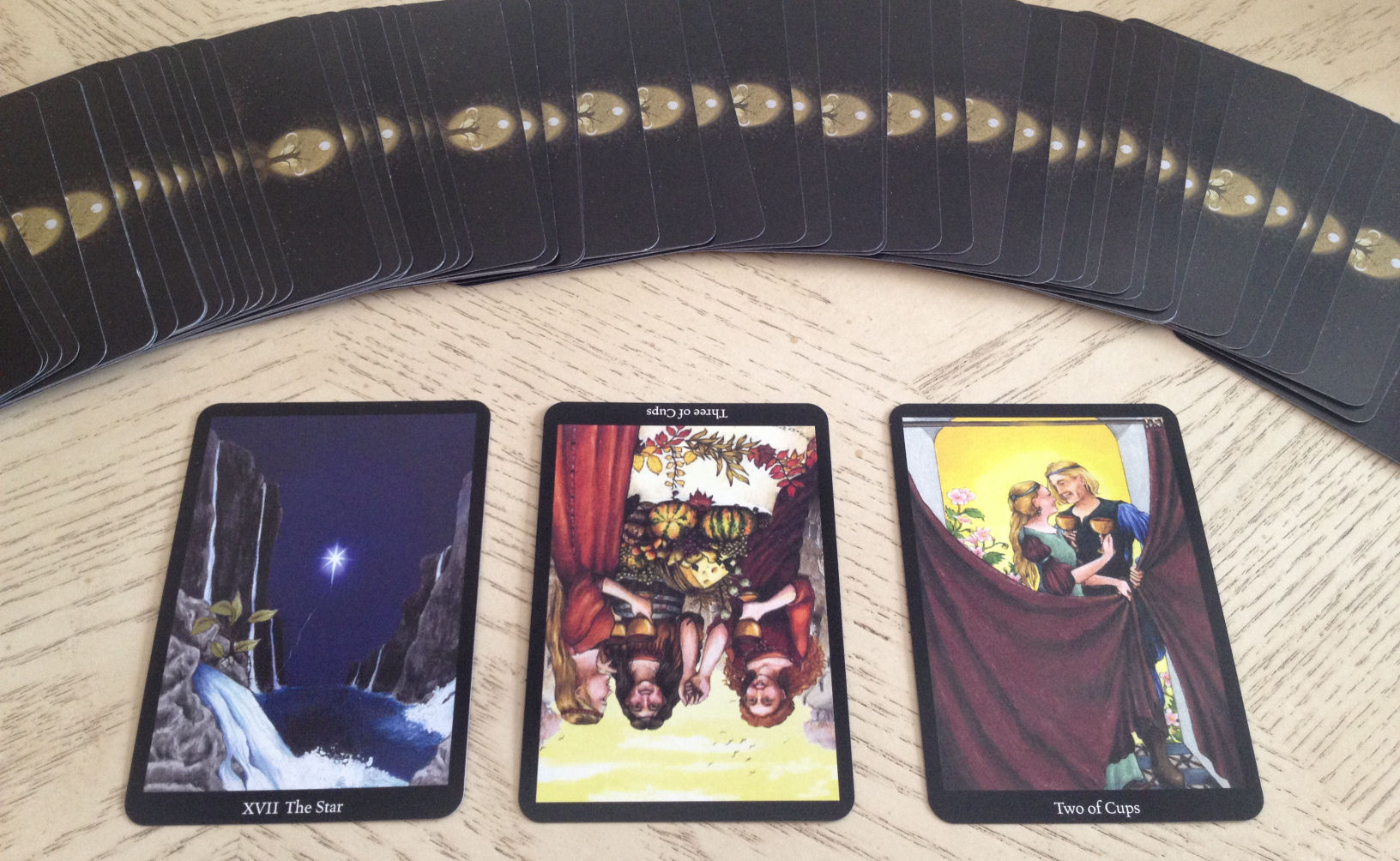 2014.10.31 For BiddyTarot Blog – 06 Three Card Reading