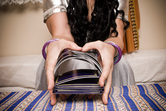 Choose a tarot reader