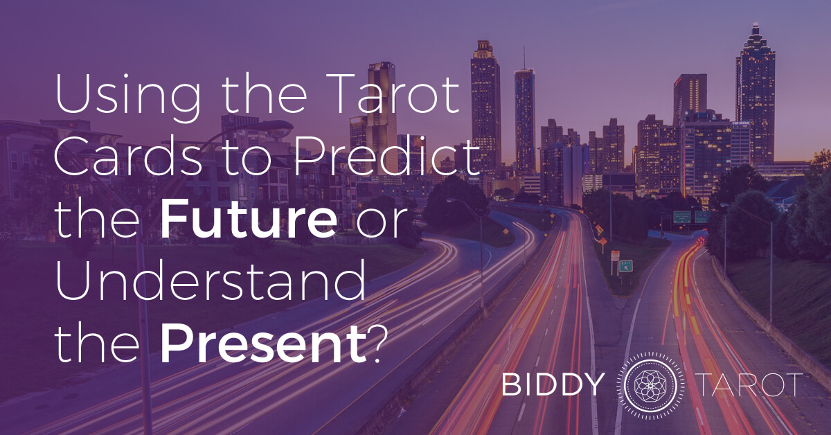 blog-20101104-using-the-tarot-cards-to-predict-the-future-or-understand-the-present