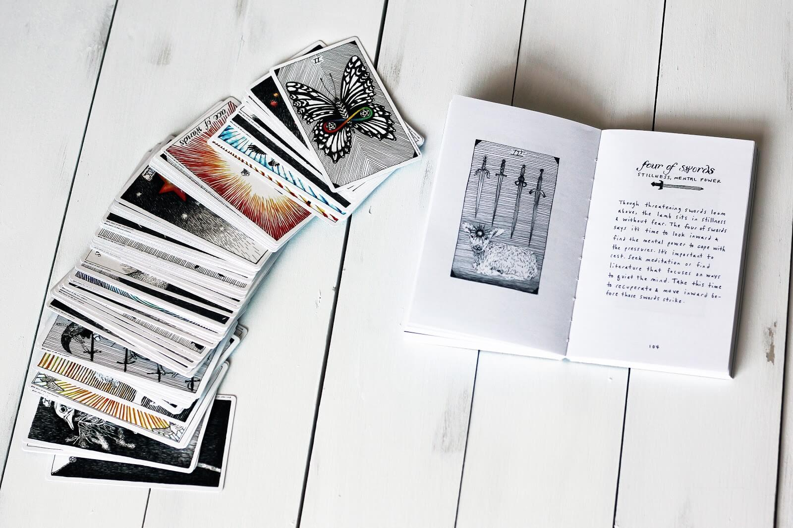 How to Read Tarot Cards for Beginners | BiddyTarot Blog